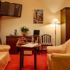 Гостиница Салют 4* Люкс с двуспальной кроватью фото 5