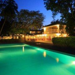 Отель Nuwarawewa Rest House Шри-Ланка, Анурадхапура - отзывы, цены и фото номеров - забронировать отель Nuwarawewa Rest House онлайн бассейн фото 4