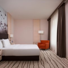 Гостиница DoubleTree by Hilton Moscow — Vnukovo Airport комната для гостей фото 7