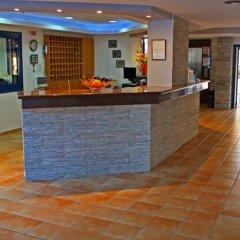 Myroandrou Beach Hotel интерьер отеля