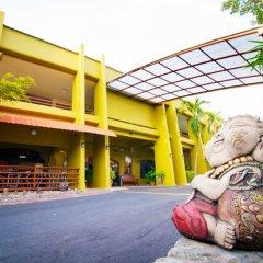 Отель Peace Resort Pattaya парковка фото 4