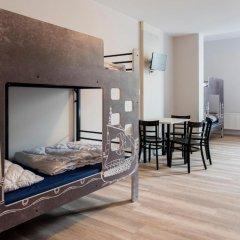 Отель a&o Copenhagen Norrebro Кровать в общем номере с двухъярусной кроватью