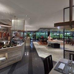 Отель Mandarin Oriental, Singapore гостиничный бар
