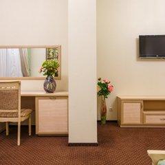 Гостиница Кристалл в Краснодаре 7 отзывов об отеле, цены и фото номеров - забронировать гостиницу Кристалл онлайн Краснодар удобства в номере