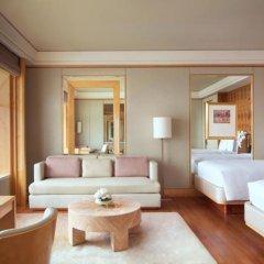 Отель The Ritz-Carlton, Millenia Singapore 5* Номер Elevated Kallang с различными типами кроватей