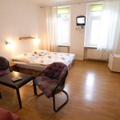 Отель pension A5A Чехия, Карловы Вары - отзывы, цены и фото номеров - забронировать отель pension A5A онлайн комната для гостей фото 2