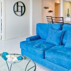 Отель Waikiki Beachcomber by Outrigger 3* Люкс с различными типами кроватей