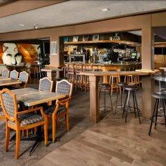 Отель Days Inn by Wyndham Victoria Uptown Канада, Виктория - отзывы, цены и фото номеров - забронировать отель Days Inn by Wyndham Victoria Uptown онлайн гостиничный бар