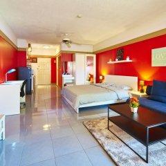 Отель Markland Beachfront by MyPattayaStay комната для гостей
