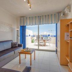Отель Spinola Bay Penthouse Мальта, Сан Джулианс - отзывы, цены и фото номеров - забронировать отель Spinola Bay Penthouse онлайн комната для гостей фото 5