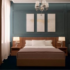 Гостиница Елисеевский 4* Номер Делюкс с двуспальной кроватью