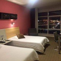 Отель Dazhong Airport (South Building) комната для гостей фото 6