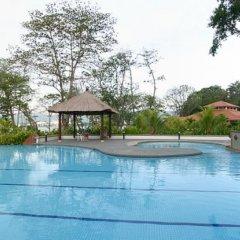 Отель Jerejak Rainforest Resort Малайзия, Пенанг - отзывы, цены и фото номеров - забронировать отель Jerejak Rainforest Resort онлайн бассейн