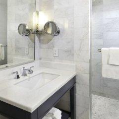Отель Fontainebleau Miami Beach 4* Полулюкс с двуспальной кроватью фото 2