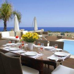 Отель Leonies By The Sea Villa питание фото 2