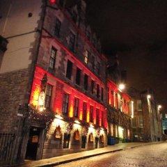 Отель The Witchery By The Castle Эдинбург вид на фасад