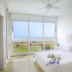 Отель Leonies By The Sea Villa комната для гостей фото 5