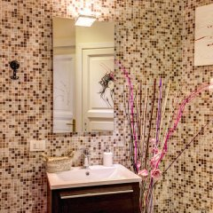 C. Luxury Palace & Hostel ванная фото 3