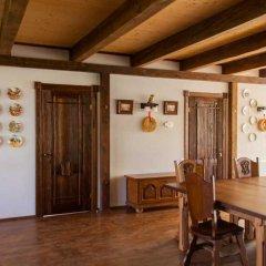 Гостиница Лесная Усадьба комната для гостей фото 9