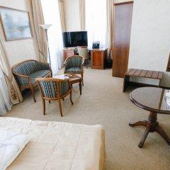 Гостиница Яр в Оренбурге 3 отзыва об отеле, цены и фото номеров - забронировать гостиницу Яр онлайн Оренбург комната для гостей фото 6