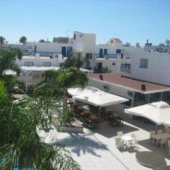 Отель Tsokkos Holiday Hotel Apartments Кипр, Айя-Напа - 1 отзыв об отеле, цены и фото номеров - забронировать отель Tsokkos Holiday Hotel Apartments онлайн балкон