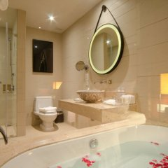 Отель Crowne Plaza Phuket Panwa Beach 5* Номер категории Премиум с различными типами кроватей фото 2