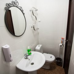 Гостиница on Mayakovskogo в Санкт-Петербурге отзывы, цены и фото номеров - забронировать гостиницу on Mayakovskogo онлайн Санкт-Петербург ванная фото 2