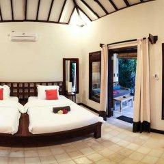Отель Bale Sampan Bungalows комната для гостей