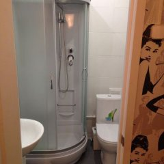 Гостиница Hostel Monroe в Москве отзывы, цены и фото номеров - забронировать гостиницу Hostel Monroe онлайн Москва ванная фото 2