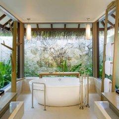 Отель Sheraton Maldives Full Moon Resort & Spa 5* Вилла Water с различными типами кроватей фото 2