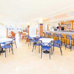 Отель Aparthotel THB Ibiza Mar - Только для взрослых гостиничный бар