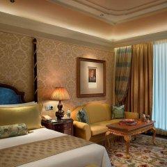 Отель The Leela Palace New Delhi 5* Номер Премьер