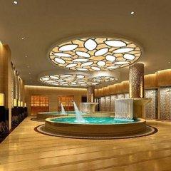 Yu Lin Petroleum Hotel бассейн
