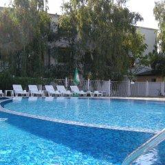 Отель STRANDZHA Золотые пески бассейн