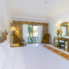 Отель Amora Beach Resort Phuket комната для гостей фото 25