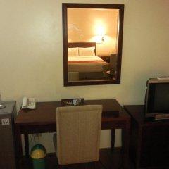 Отель Indah Manila Филиппины, Манила - отзывы, цены и фото номеров - забронировать отель Indah Manila онлайн удобства в номере фото 3