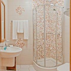 Гостиница Вилла Bellavista в Отрадном отзывы, цены и фото номеров - забронировать гостиницу Вилла Bellavista онлайн Отрадное ванная