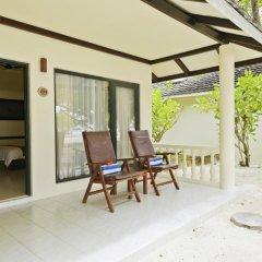 Отель Paradise Island Resort & Spa 4* Улучшенное бунгало с различными типами кроватей фото 6
