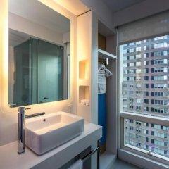 Отель Yotel New York at Times Square 3* Номер категории Премиум с различными типами кроватей фото 4