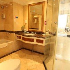 Отель Chongqing Hotel Китай, Пекин - отзывы, цены и фото номеров - забронировать отель Chongqing Hotel онлайн ванная фото 2