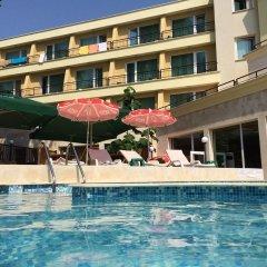 Отель BENVITA Золотые пески бассейн