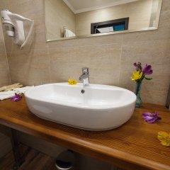 Гостиница Голубая Лагуна Улучшенный номер разные типы кроватей фото 13