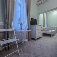Мини-Отель Буше Стандартный семейный номер с различными типами кроватей