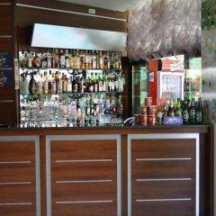 Отель L&B Солнечный берег гостиничный бар фото 2