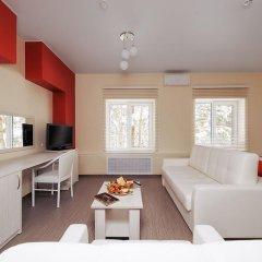 Гостиница ГЕЛИОПАРК Лесной 3* Люкс с двуспальной кроватью фото 3