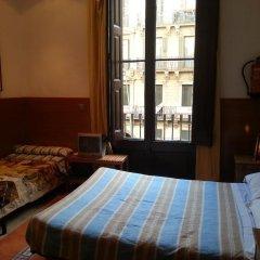 Отель Studios Pelayo Барселона комната для гостей фото 4