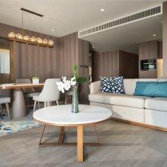 Jumeirah Beach Hotel in Dubai, United Arab Emirates from 429$, photos, reviews - zenhotels.com hotel interior