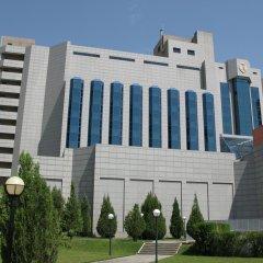 International Hotel (Ташкент) парковка