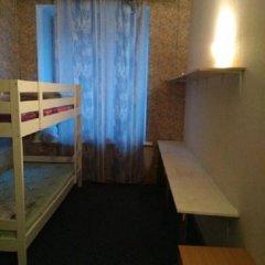 Хостел Толстой Кровать в общем номере с двухъярусной кроватью