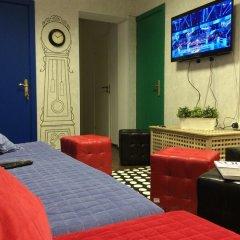 Weekend Rooms and Hostel интерьер отеля